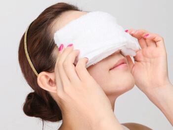「目 タオル 冷やす」の画像検索結果