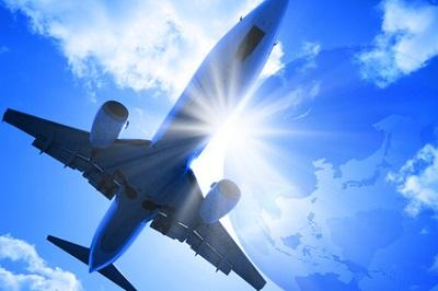 飛行機と地球儀